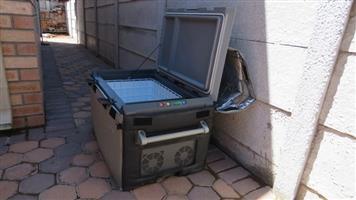 Waeco 80 lt 12/220v freezer
