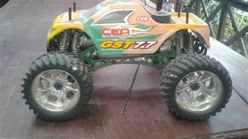 Cen GST 7.7,4WD, 7.7hp petrol R/C monster truck