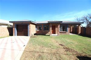New 2-Bedroom 2-Bathroom Townhouse, Potchefstroom Central