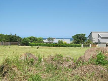 Large level grassed stand for sale in Port Edward