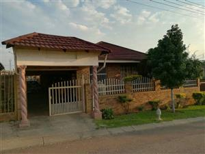 3 BEDROOM HOUSE FOR SALE IN THE HEART OF ATTERIDGEVILLE