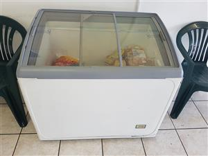 OLA ICE CREAM FRIDGE/FREEZER