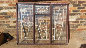 Complete window. Glass and burglar proof