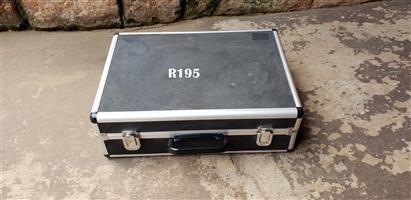 Classy Carry Case (380x270)