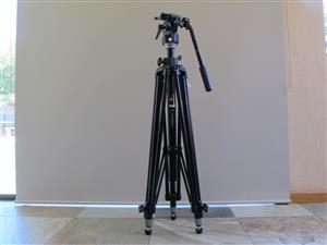 Manfrotto 028B Tripod With Manfrotto 136 Fluid Video Head