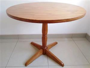 Medium Dining Room table