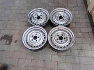 "VW Kombi 14"" wheels wanted"