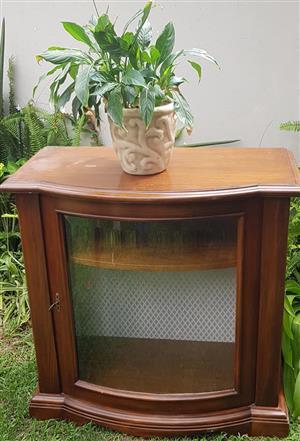 Beautiful unit. Italian furniture piece