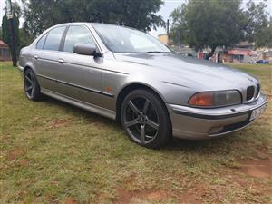 1998 BMW 5 Series sedan 540i A/T (G30)