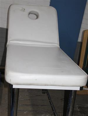 White leather massage bed S032261A #Rosettenvillepawnshop