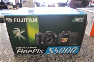 Fujifulm S5000 Finepix Digital Camera