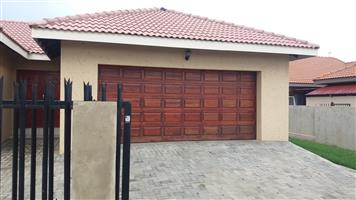 A beautiful 3.5 bedroom  house on sale in a secured, Sterkspruit Falcons, Lydenburg Mpumalanga