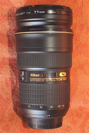Used Nikon 24-70mm 1:2.8G ED Lens. In very good condition.