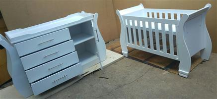 Baby Cot and Compactum-R 4499,00 Sur 15 for sale  Durban - Morningside