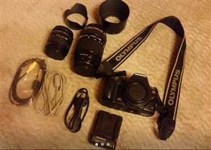 Olympus E-520 Digital camera with 2 Olympus Zuiko Digital lenses