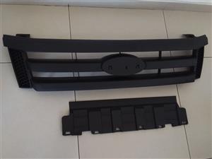 FORD RANGER T6 2012 ONWARDS BRAND NEW FRONT GRILLES BLACK FOR SALE PRICE:R1100