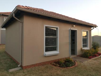 2 Bedroom House For Sale in Nellmapius, Pretoria