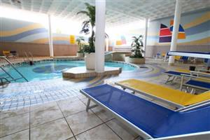 2 Indoor Pools!! 1 Week at Durban Spa - 8 Sleeper. Beach Front Holiday!