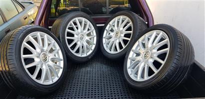 17 VW Jetta 5 OEM Mags with Tyres