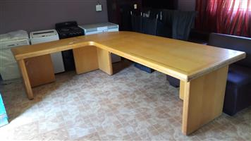 Solid Oak L-shaped executive desk