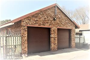 Face-brick townhouse like house in the market with small garden, totally fenced.  Meyerton South