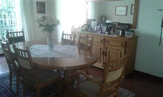 Oak diningroom 11 piece