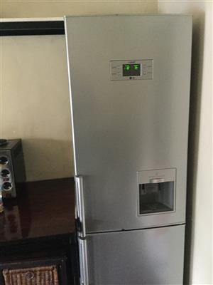 LG Silver Fridge / Freezer GR-F429BLQN with Water Dispenser