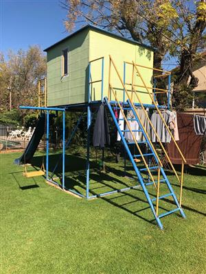 TREE HOUSE JUNGLE GYM FOR SALE