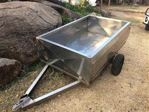 Stainless steel trailer needs wearing and  mud flaps
