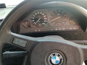 1992 BMW 3 Series 318i