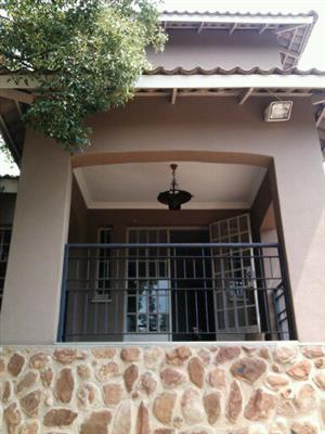 1 Bedr flat with study, incl w/l in Tiegerpoort (Graham Road)