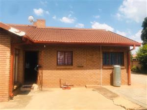 HOUSE TO RENT (THE ORCHARDS) NORTH PRE