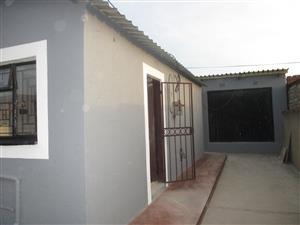 1 room to let in Mamelodi East