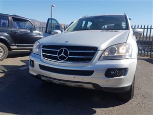 Mercedes ML350 2006 W164 stripping for spares.