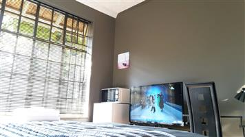 Room close to UP in Hatfield with own DSTV + WIFI