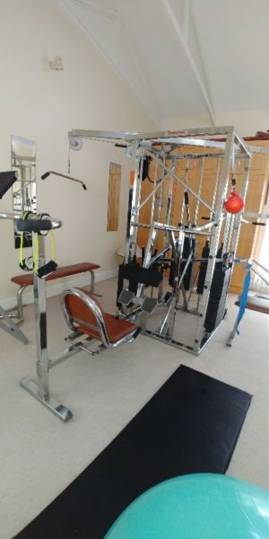 Universal Gym Station for Serious Weight Lifters & Pro Body Builders