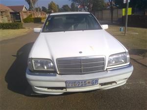 Mercedes Benz 250TD
