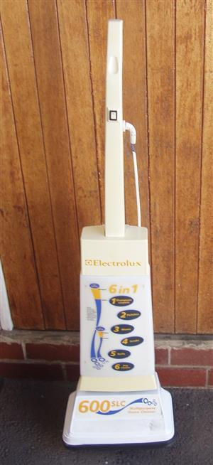 Electrolux Floor  Polisher/Shiner,Shampoer, etc. - 6 in 1 - in working order