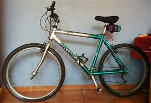 29 Inch Okuma Air Sport Series Mountain Bike Alloy 7005.  R1500 Negotiable.