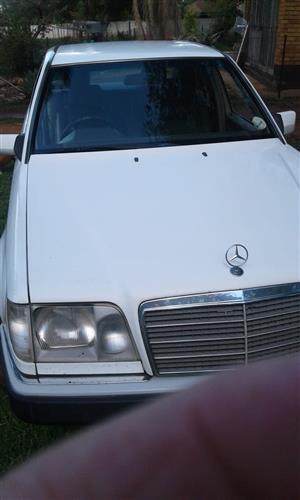 1996 Mercedes Benz 220SE
