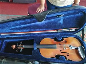 Stradivaruis violin 4/4 outfit
