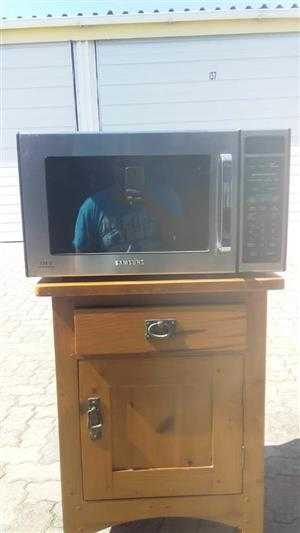 Microwave with grill functions