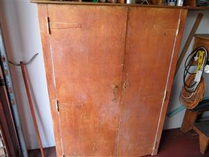 PIGEON HOLES CABINET  FOR GARAGE - 32 HOLES