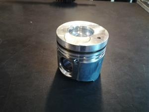 SCENIC/MEG 1.9 DIESEL PISTON HEAD FOR SALE