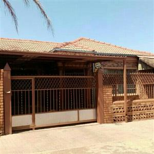 for sale Atteridgeville ext 7 3 bedrooms call Sophy 076 081 3571