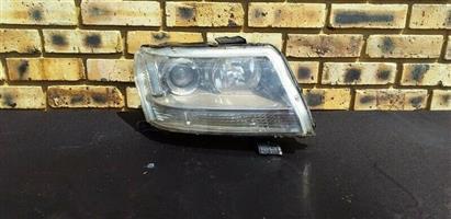 Suzuki Grand Vitara Right Side Headlight