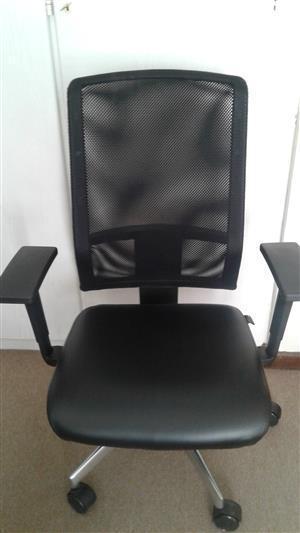 Geo Cloud Office chair