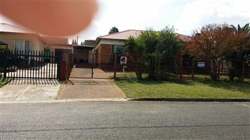 GERDVIEW Great Face-brick house for sale