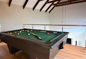 POOL TABLE: Entertainment