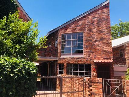 Townhouse For Sale in WESTDENE
